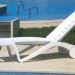 صندلی پلاستیکی استخر